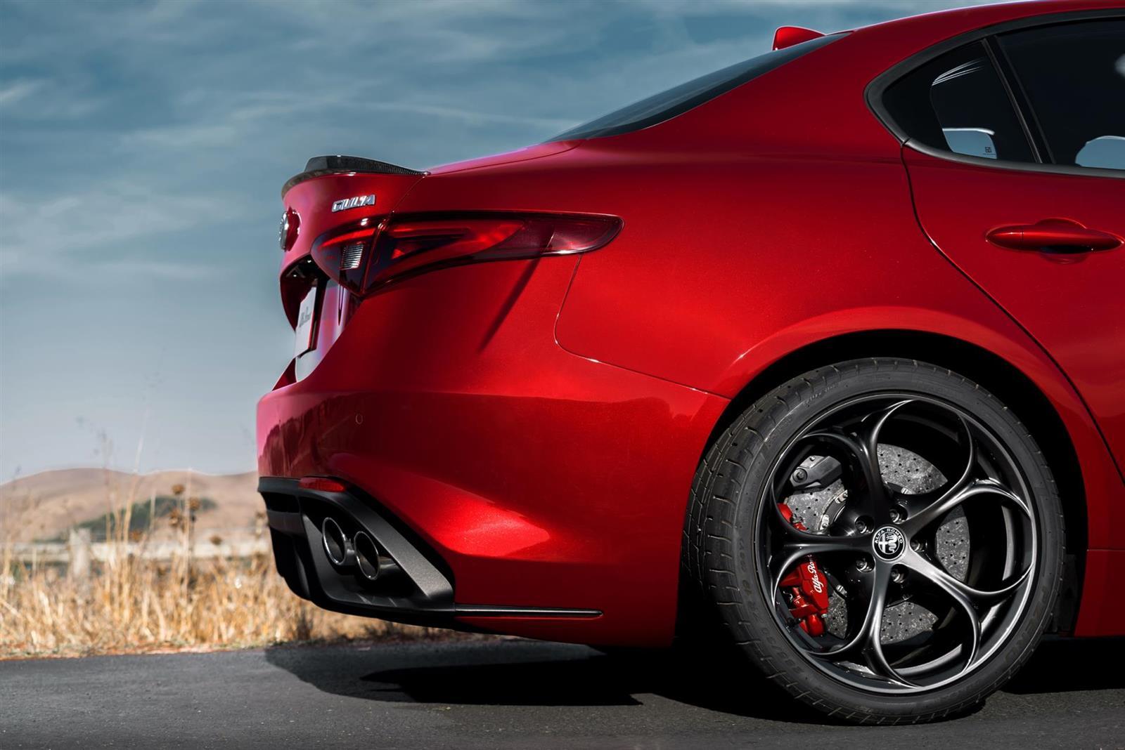 2017 Alfa Romeo 4c >> 2017 Alfa Romeo Giulia Quadrifoglio Image