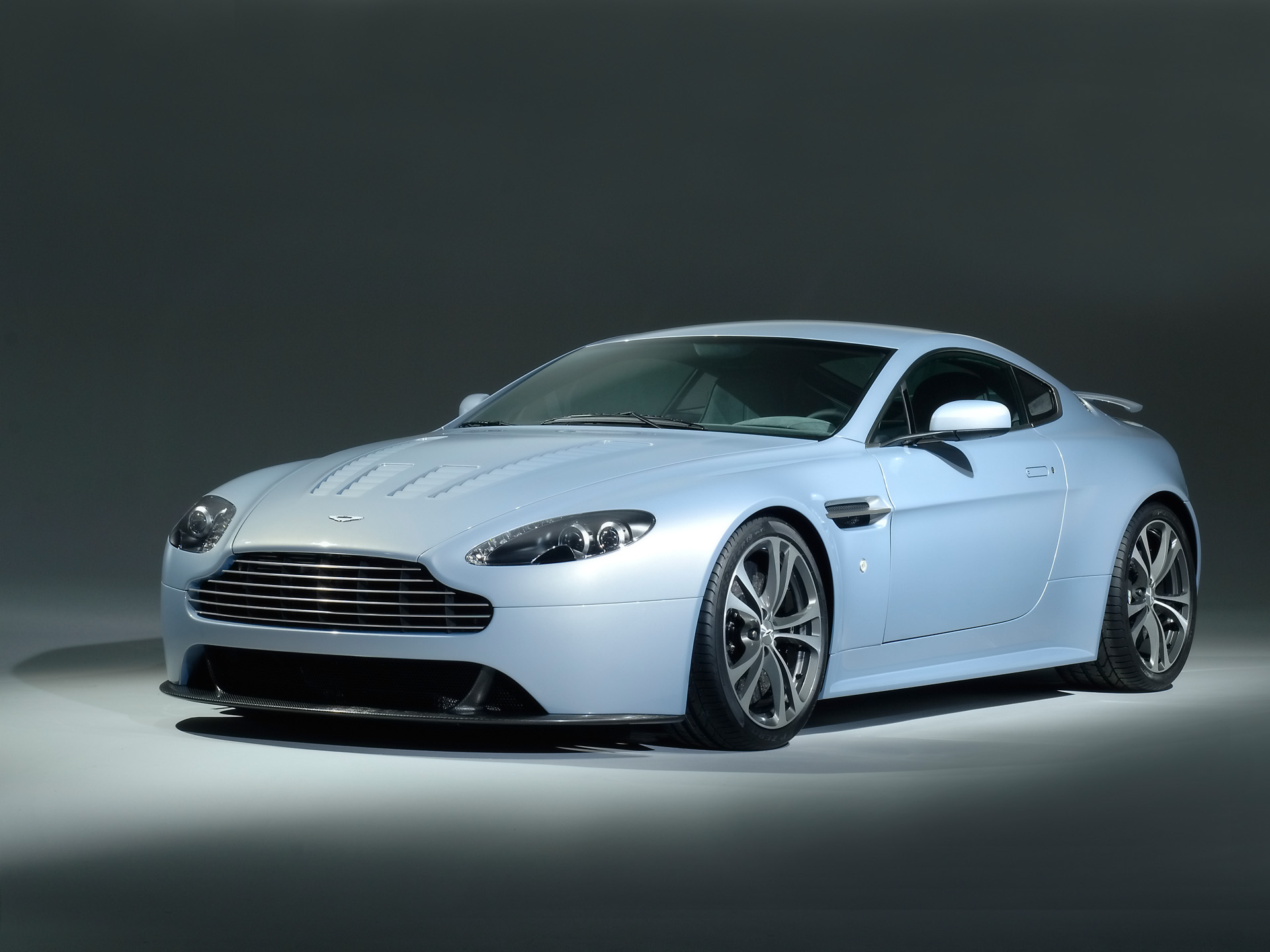 2007 aston martin v12 vantage rs pictures history value. Black Bedroom Furniture Sets. Home Design Ideas