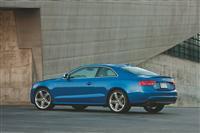 2011 Audi S5 image.