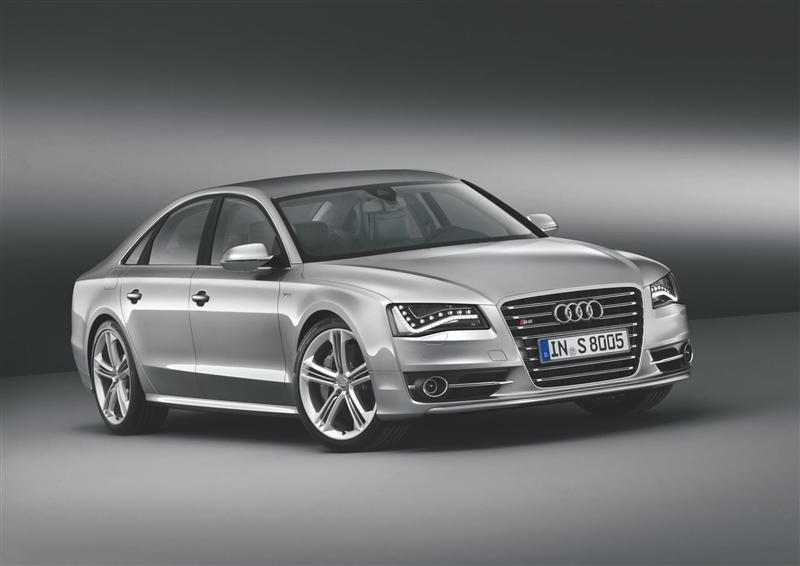 2012 Audi S8 Image