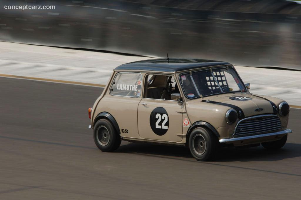 1962 austin mini cooper at the zippo u s vintage grand prix at watkins glen. Black Bedroom Furniture Sets. Home Design Ideas