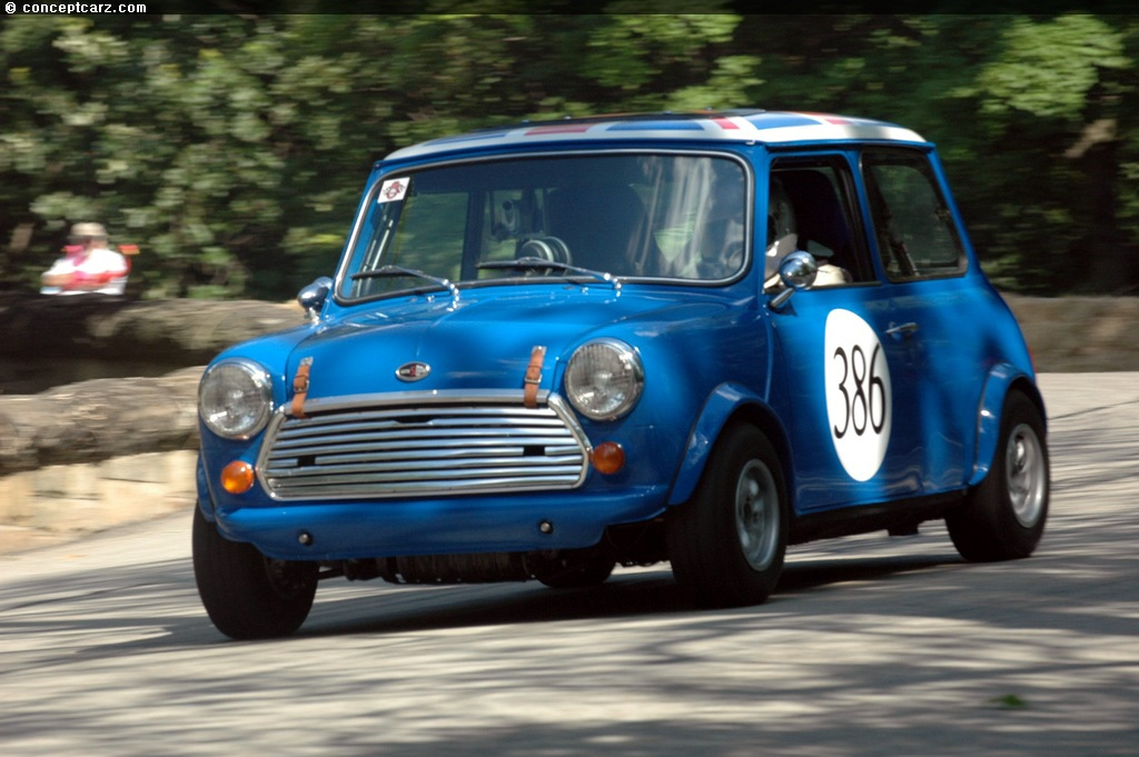 1964 austin mini cooper at the pittsburgh vintage grand prix. Black Bedroom Furniture Sets. Home Design Ideas