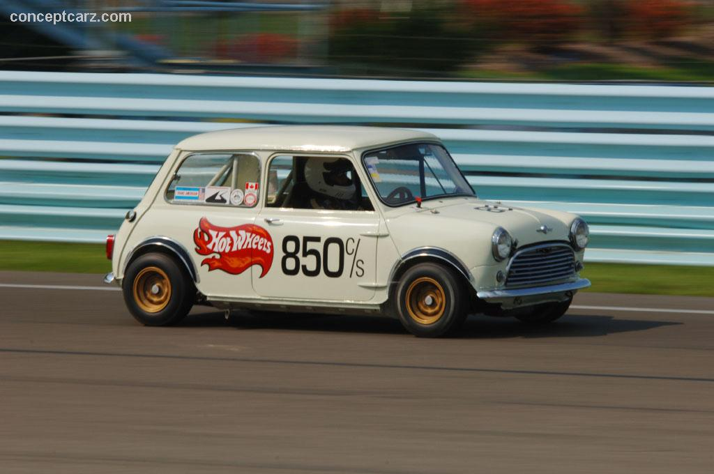 1965 austin mini cooper s at the zippo u s vintage grand prix at watkins glen. Black Bedroom Furniture Sets. Home Design Ideas