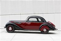 1939 BMW 327 image.