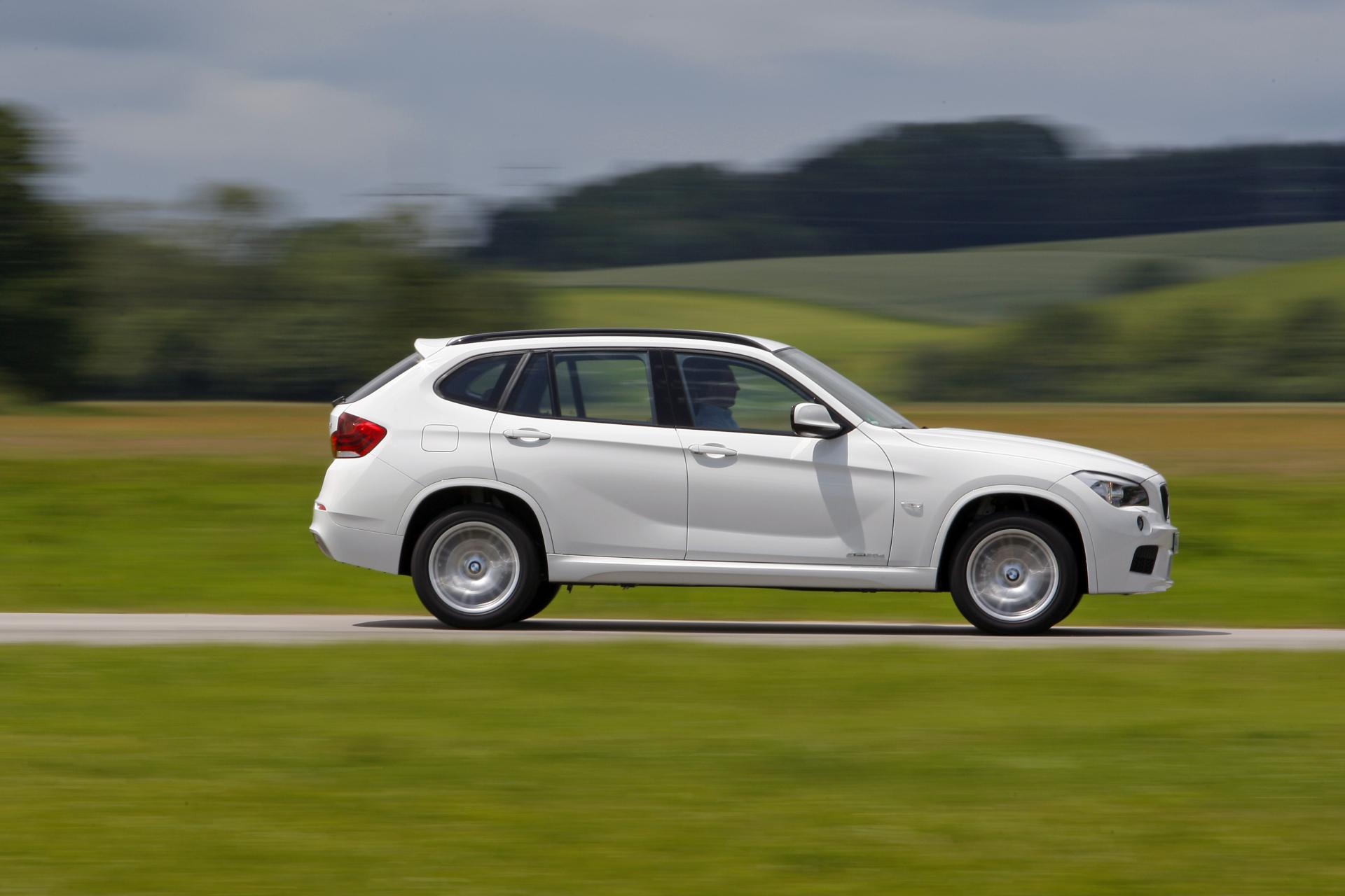 2012 bmw x1 technical specifications and data engine. Black Bedroom Furniture Sets. Home Design Ideas