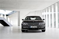 2016 BMW 7-Series image.