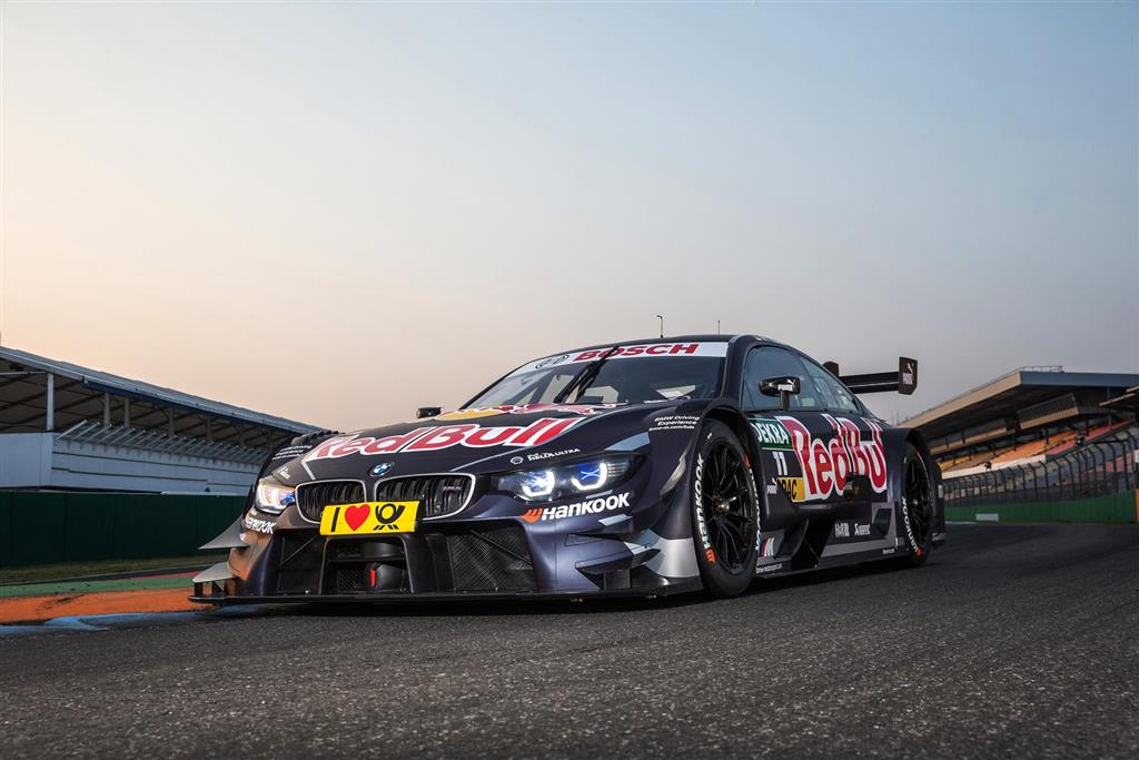 BMW M4 DTM pictures and wallpaper