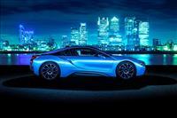2015 BMW i8 image.
