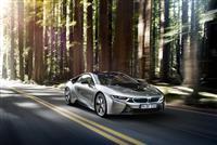 2017 BMW i8 image.