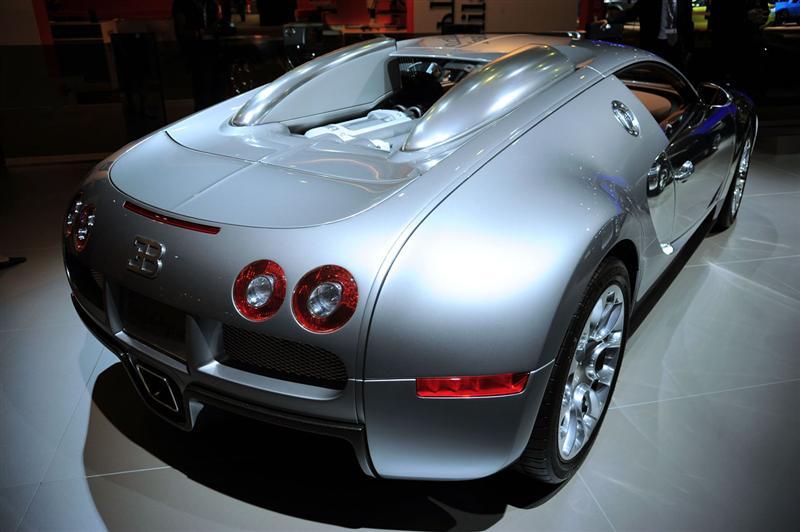 2010 bugatti 16 4 veyron sang d 39 argent images photo 2010 bugatti veyron sang d argent image 02. Black Bedroom Furniture Sets. Home Design Ideas