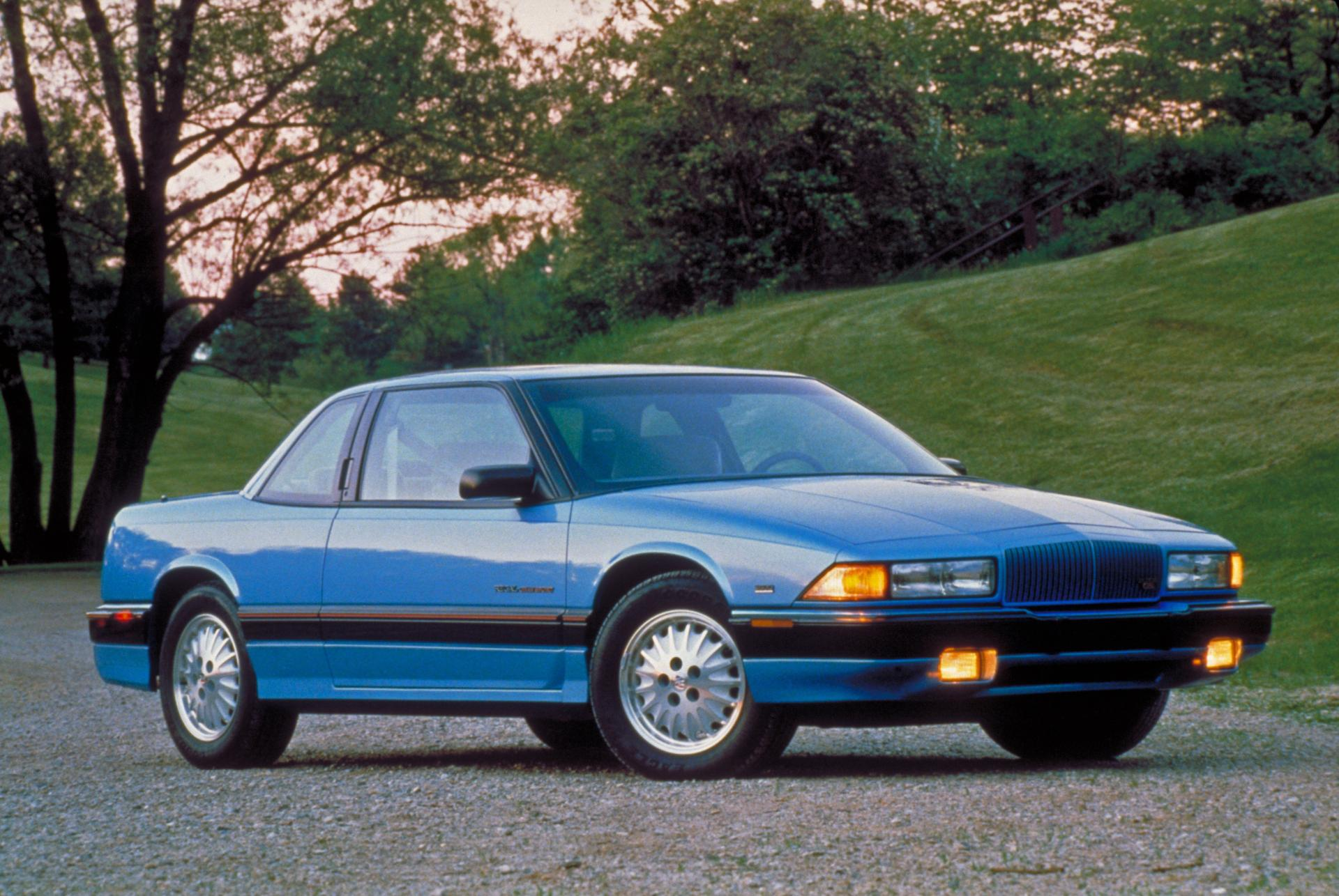 1992 Buick Regal Pictures, History, Value, Research, News ...
