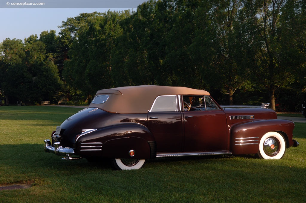 Cadillac Series 62 pictures and wallpaper