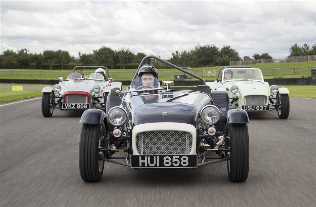 Caterham Seven SuperSprint pictures and wallpaper