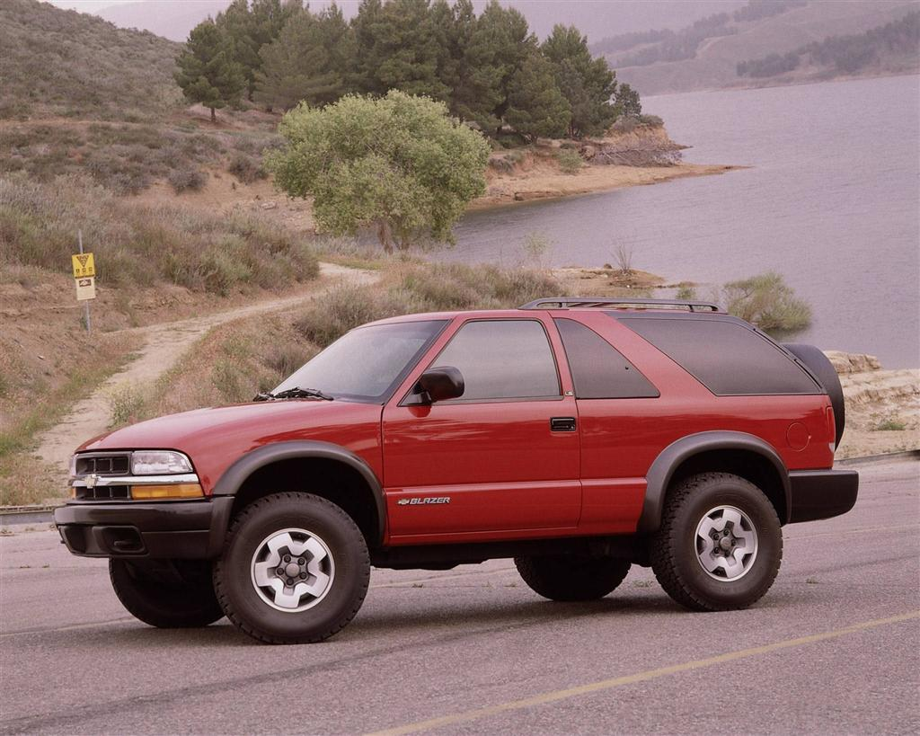 Images of 2001 Chevy Blazer  Watch Out Theres a Clothes About