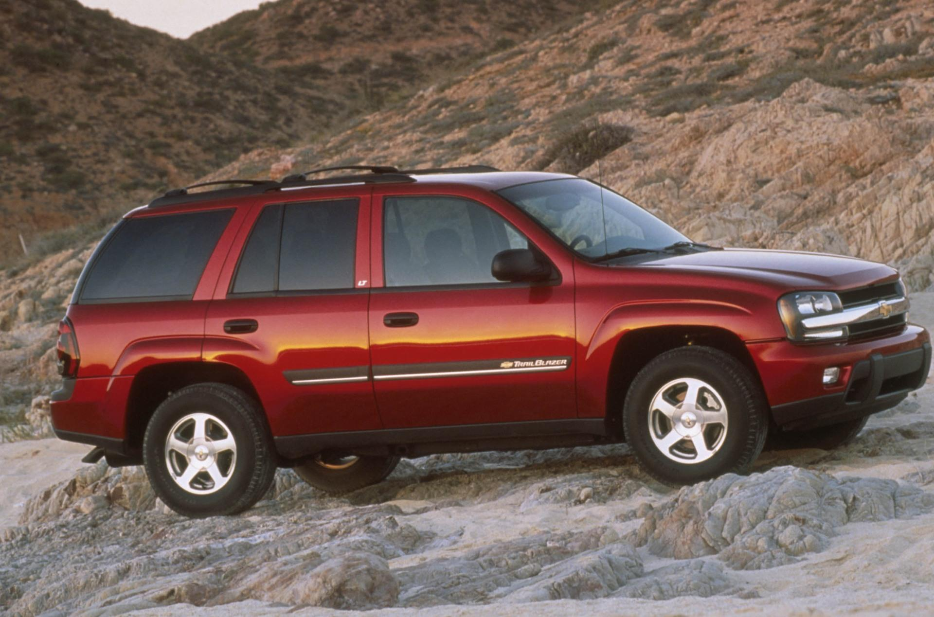 2001 Chevrolet TrailBlazer Pictures, History, Value ...