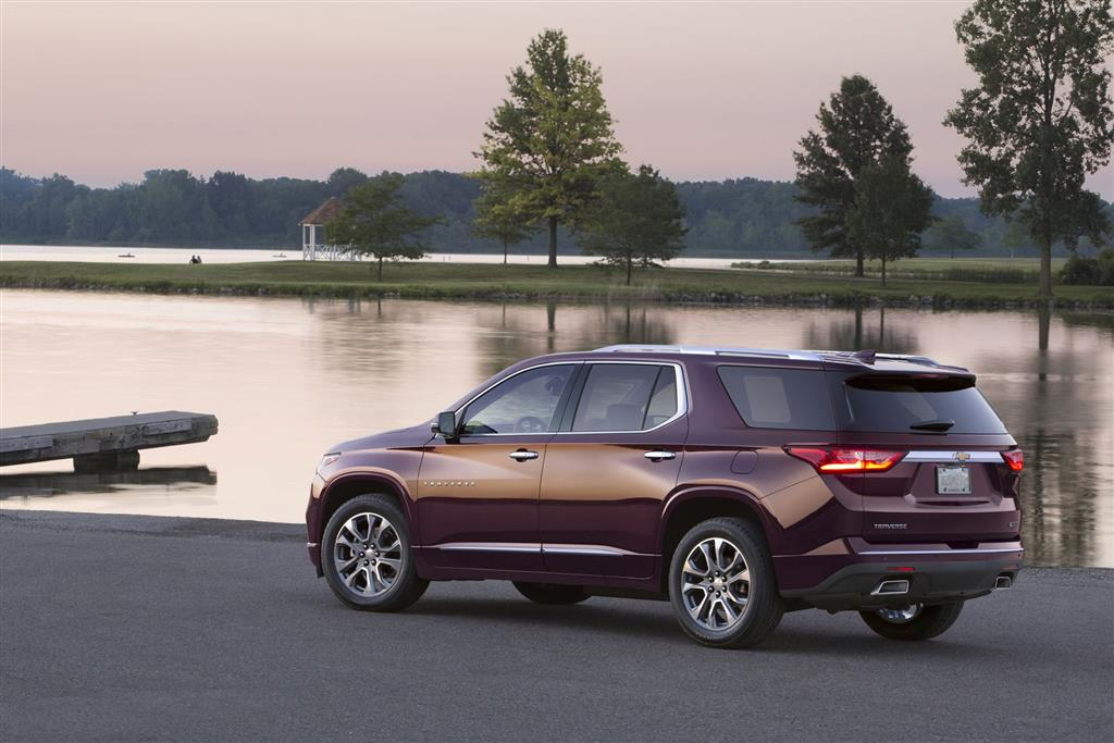 Chevrolet Traverse pictures and wallpaper