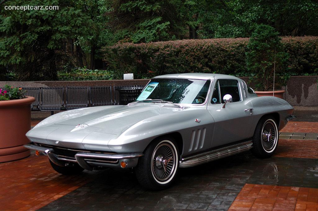 1965 Chevrolet Corvette C2 At The Pvgp Downtown Parade And Car Display