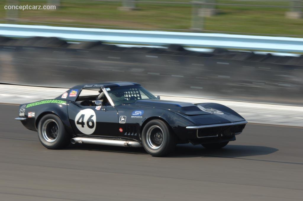 1969 chevrolet corvette c3 at the zippo u s vintage grand prix at watkins glen. Black Bedroom Furniture Sets. Home Design Ideas