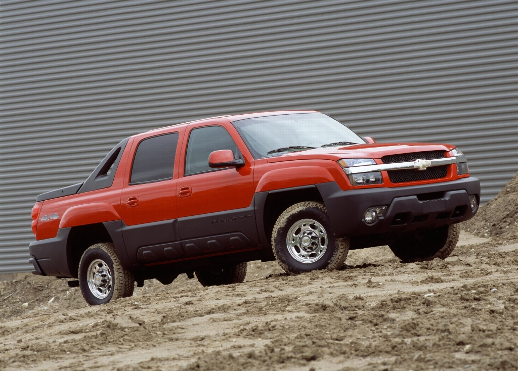 2005 Chevrolet Avalanche Pictures, History, Value ...