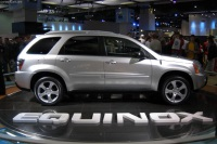 2004 Chevrolet Equinox image.