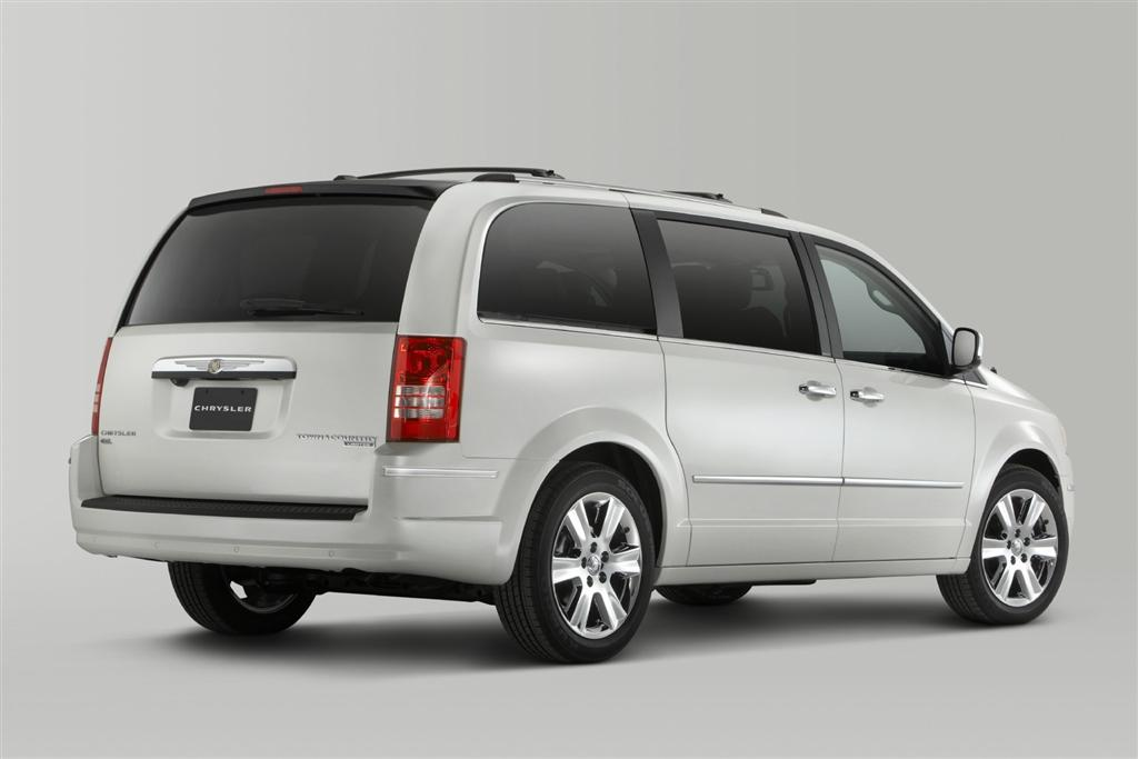 2010 chrysler town country innovation luxury and unsurpassed. Cars Review. Best American Auto & Cars Review