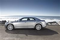2013 Chrysler 300 image.