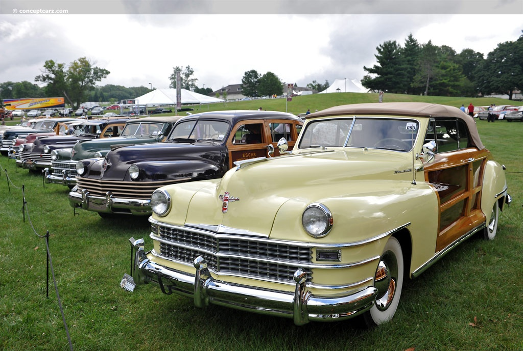 Chrysler Town and Country pictures and wallpaper