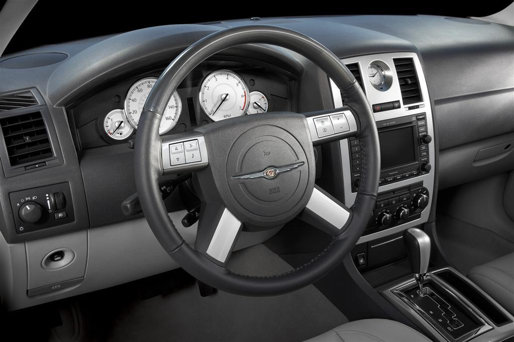 2010 Chrysler 300  conceptcarzcom