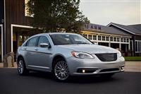 Chrysler 200 image.