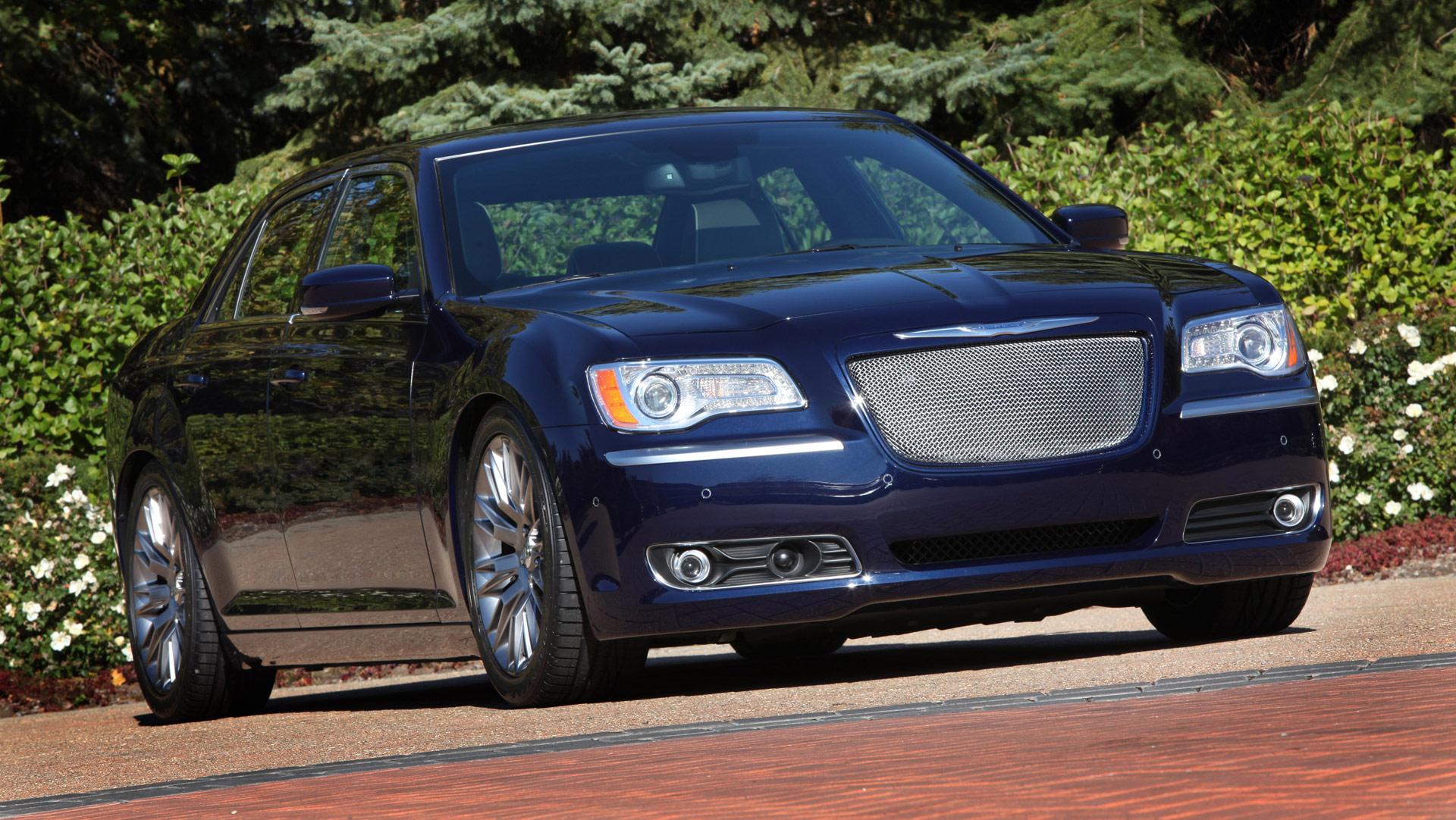 Luxury Vehicle 300: 2012 Chrysler 300 MOPAR Luxury