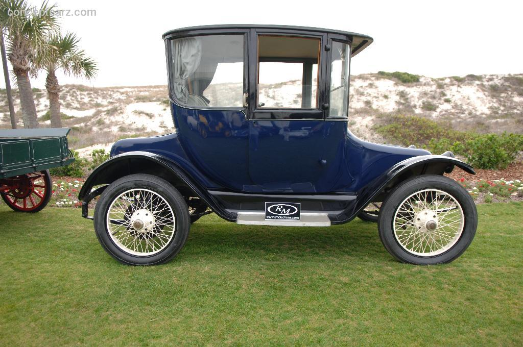 1917 Detroit Electric Model 68 Pictures History Value
