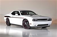 2014 Dodge Challenger image.