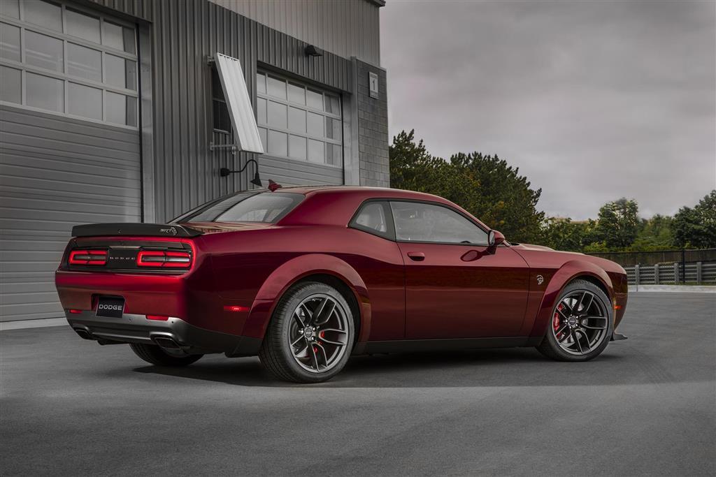 Dodge Challenger SRT Hellcat Widebody pictures and wallpaper