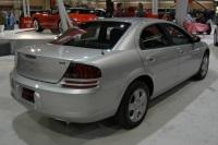2003 Dodge Stratus image.