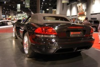 2004 Dodge Viper image.
