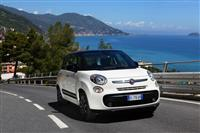 2013 Fiat 500L image.