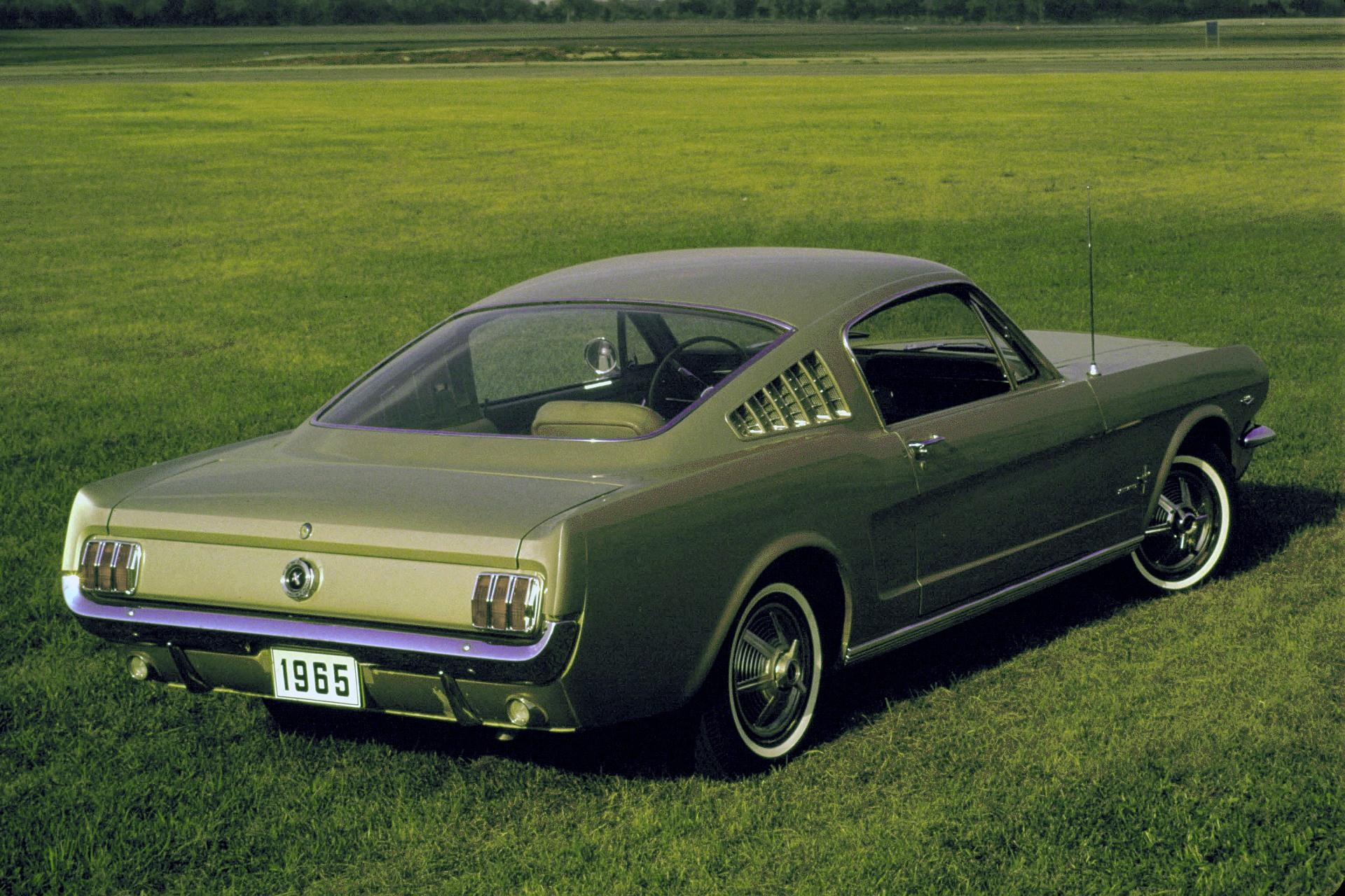 1965 ford mustang images photo 1965 ford mustang image. Black Bedroom Furniture Sets. Home Design Ideas