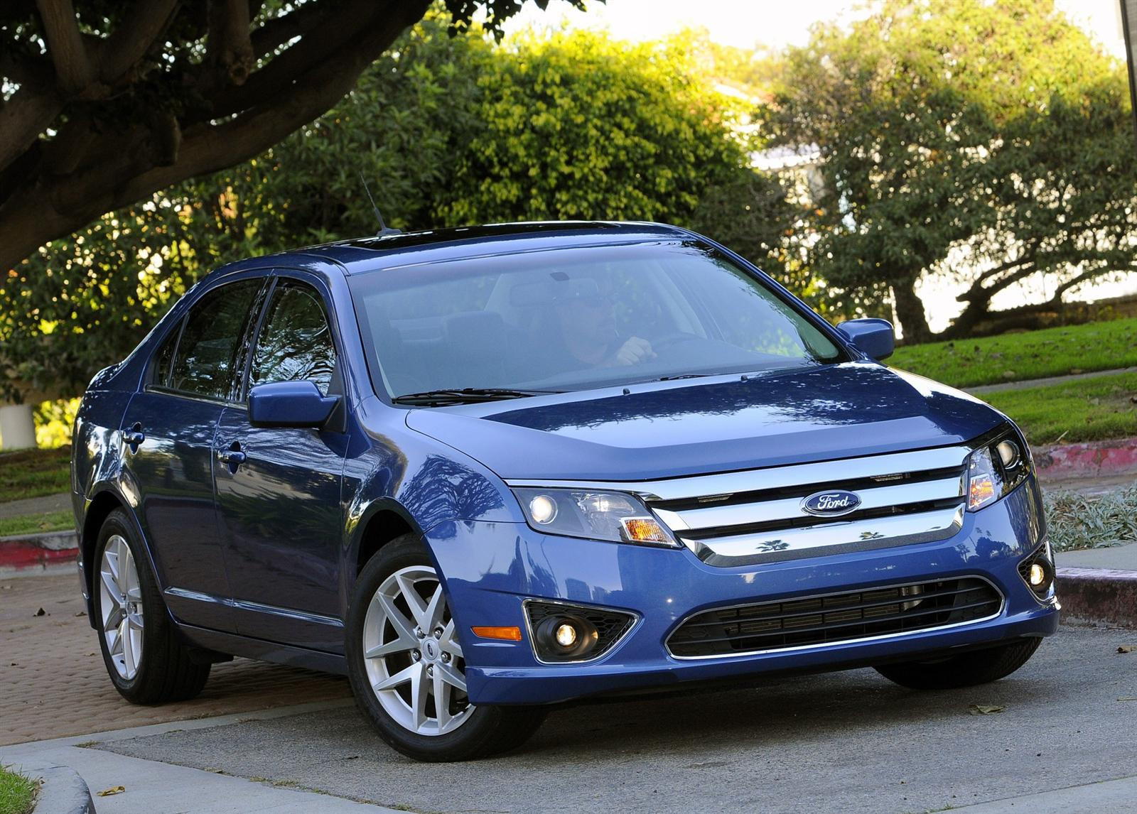 2010 Ford Fusion Hybrid Image
