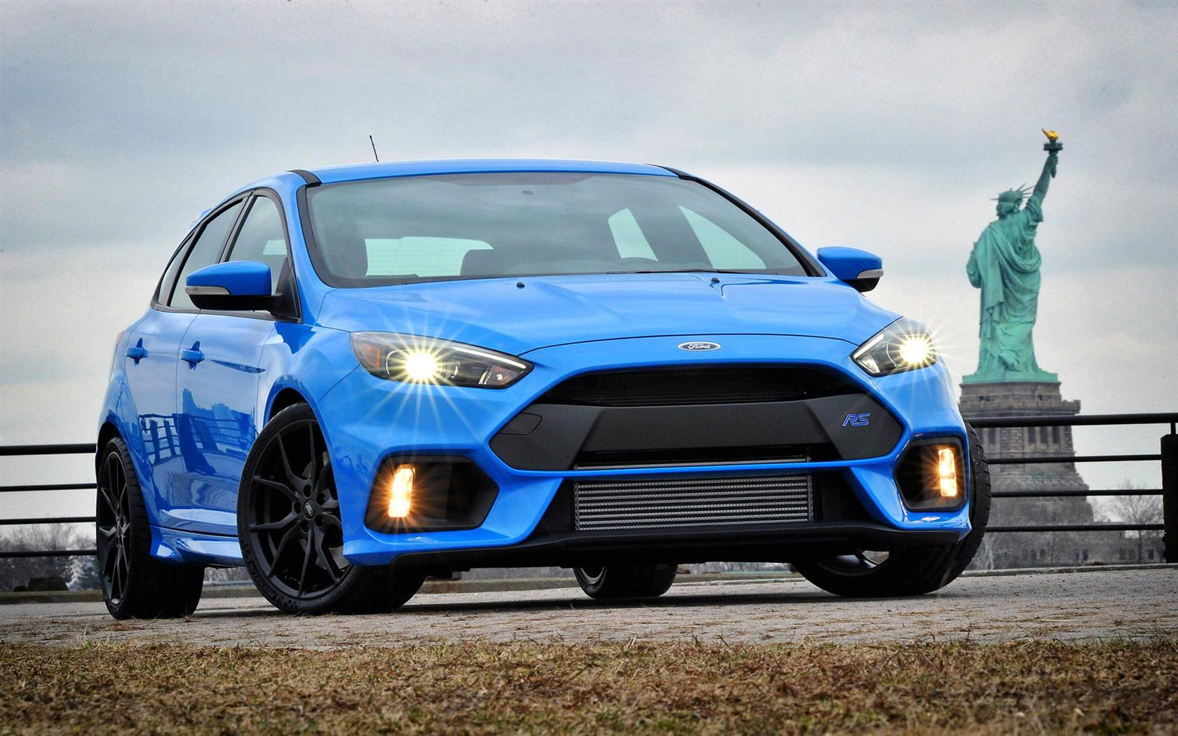 синий автомобиль ford focus rs  № 215543  скачать