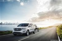 2017 Ford Edge image.