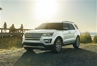 2017 Ford Explorer image.