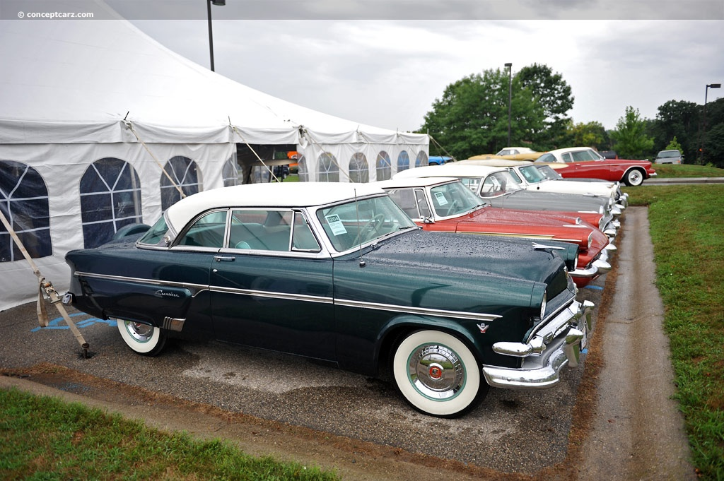 1954 Ford Crestline Pictures History Value Research