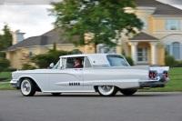 1958 Ford Thunderbird image.