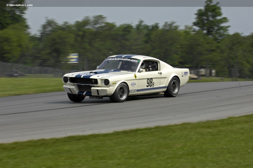 1966 shelby mustang gt350 at the mid ohio vintage grand prix. Black Bedroom Furniture Sets. Home Design Ideas