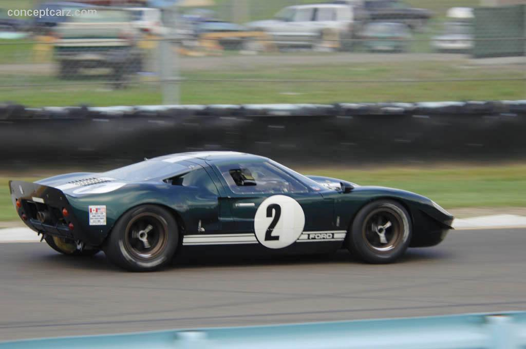 1966 ford gt40 at the zippo u s vintage grand prix at watkins glen. Black Bedroom Furniture Sets. Home Design Ideas