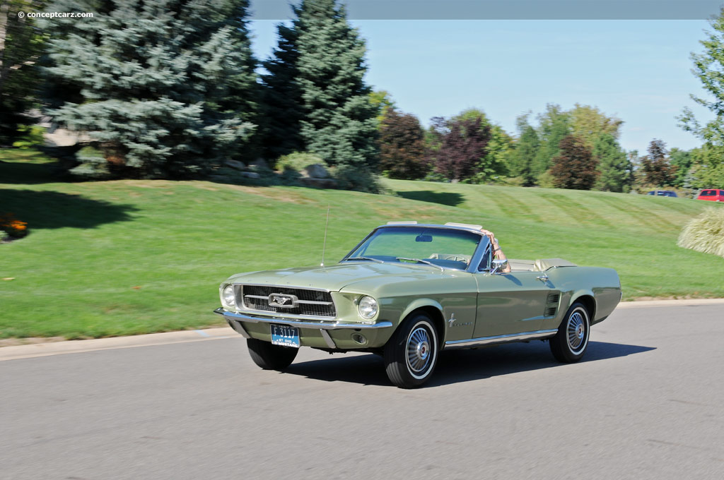 convertible - 1967 Ford Mustang Coupe Green