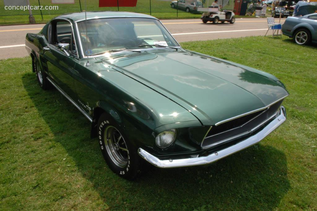 1967 ford mustang at the pittsburgh vintage grand prix car show. Black Bedroom Furniture Sets. Home Design Ideas