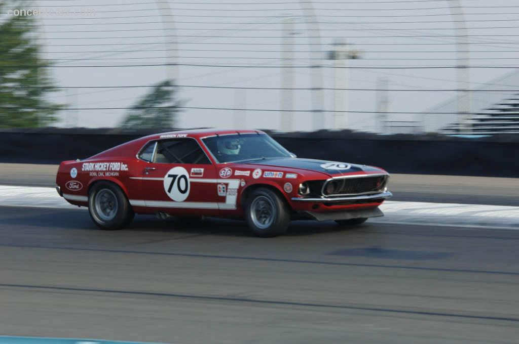 1969 ford mustang at the zippo u s vintage grand prix at watkins glen. Black Bedroom Furniture Sets. Home Design Ideas