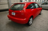 2005 Ford Focus image.