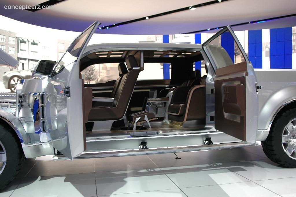 ford f250 super chief concept high resolution image 9 of 12 2017 2018 bes. Cars Review. Best American Auto & Cars Review